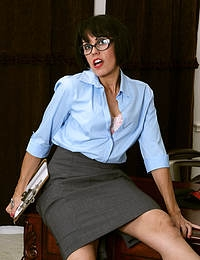 Gypsy Vixen Secretary MILF