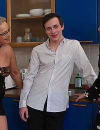 Two mature ladies sharing one lucky toyboy for a sexparty
