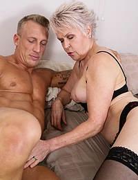 Naughty mature slut doing her younger lover