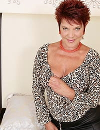 Hot steamy British housewife playing with herself